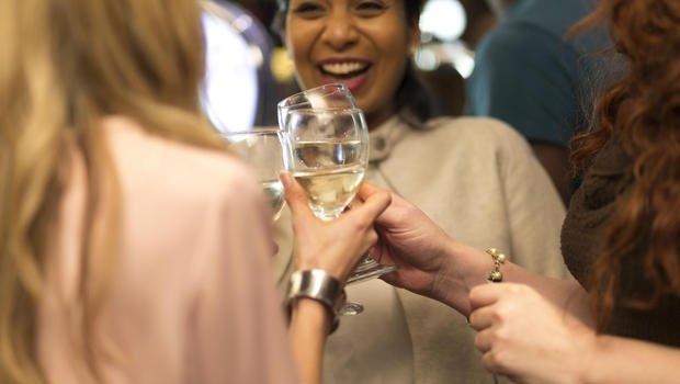 Vinho branco pode não trazer benefícios para a pele feminina - tirandoduvidas.com